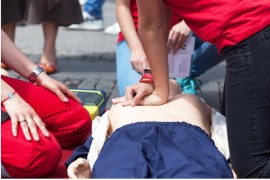 team_cpr_first-aid-training-picture-id840542870.jpg